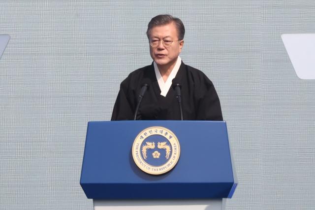 韓國總統文在寅說,將協助韓國企業降低對日本供應鏈的倚賴。(Chung Sung-Jun/Getty Images )