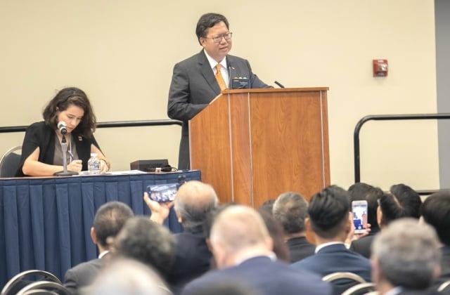 桃園市長鄭文燦於gctc國際視野專題演講「智慧城市—網路安全與隱私」擔任主講者。