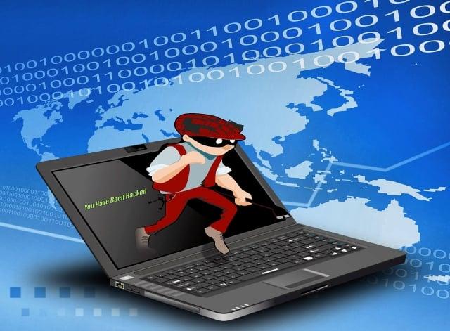 調查指出,56%台灣CEO表示。曾成為網路攻擊的受害者,且認為,這種現象對企業來說已是「何時」會發生,而非「會不會」發生的問題。圖為駭客網路攻擊示意圖。(Pixabay)