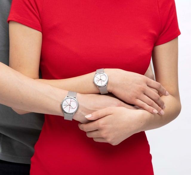 對錶除了贈禮,也能為個人穿搭帶來創意。(公關提供)