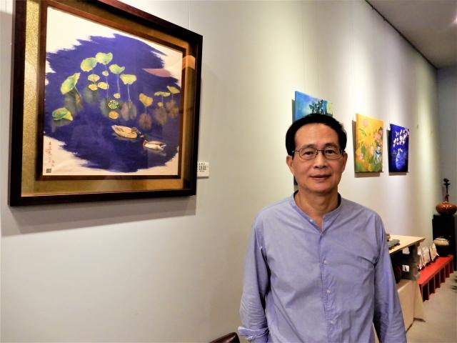 展覽召集人吳榮宗的荷花彩墨創作,以荷的生長過程比喻人的一生。