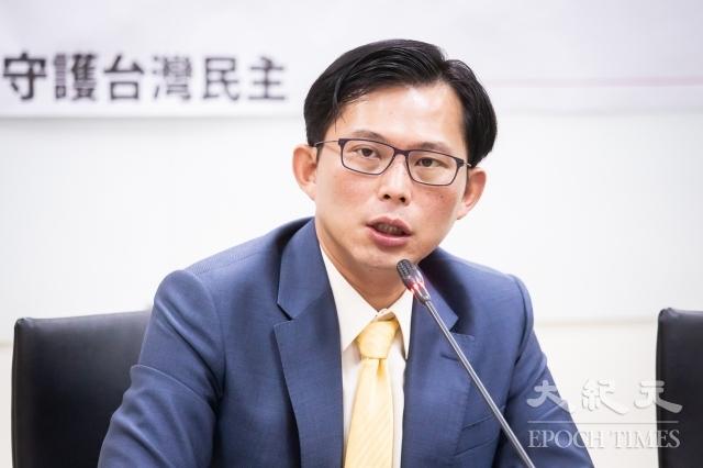 時代力量立委黃國昌建議,台灣政府不應讓防治紅媒流為口號,應在8月召開臨時會,針對「反併吞滲透法」、「廣電三法」、《兩岸人民關係條例》等修法。圖為資料照。(記者陳柏州/攝影)