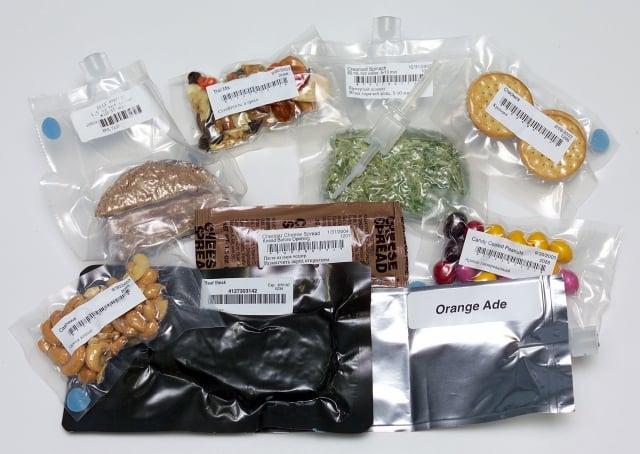 國際太空站上太空人吃的食物。(維基百科)