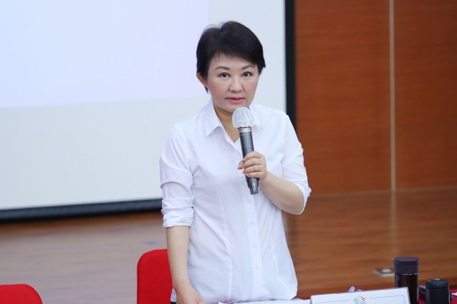 台中市府行動市政會議13日到太平區舉行,市長盧秀燕宣布多項利多。(台中市政府提供)
