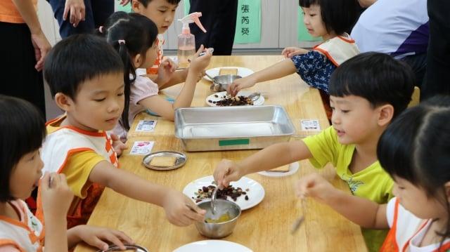 中班大班混合的班級,一開學就能經過動手作的洗禮,培養的素養深植孩子心中,也趕上世界的教育潮流。