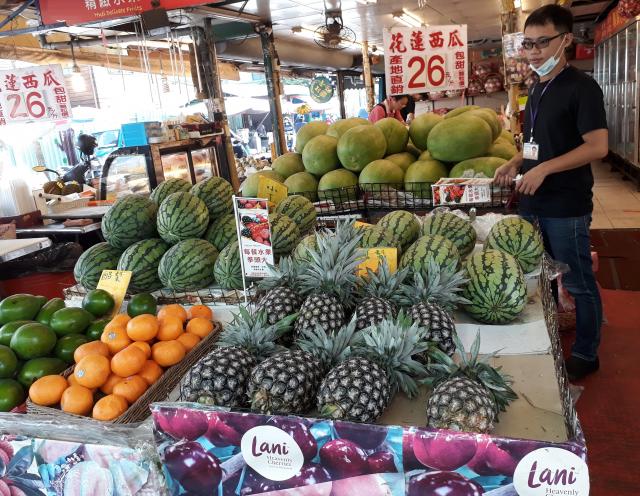 素果建議挑選當季新鮮水果,不僅有許多維生素、礦物質、植化素、膳食纖維,更是促進腸道蠕動的好幫手。