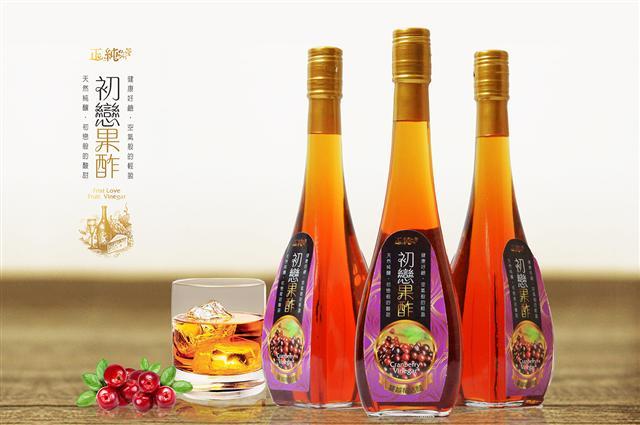 正純食品以正純蜂蜜為基底釀造的水果醋,夏日來一杯冰鎮一下,消暑解渴又養生。(正純食品提供)