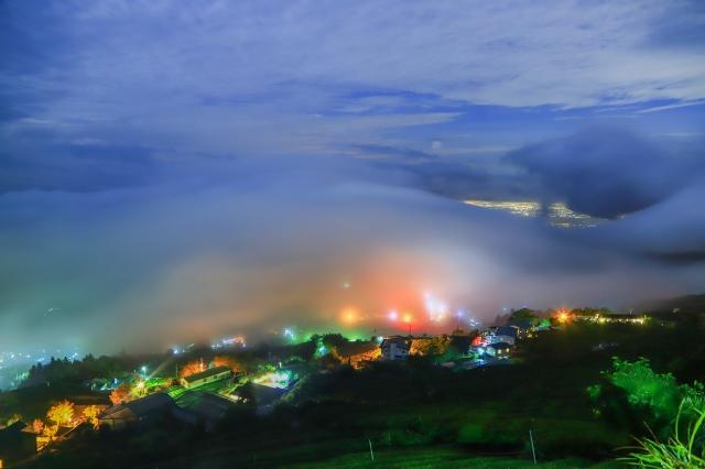 超夢幻美景阿里山頂石棹琉璃光,大雨後乍現令人驚艷。