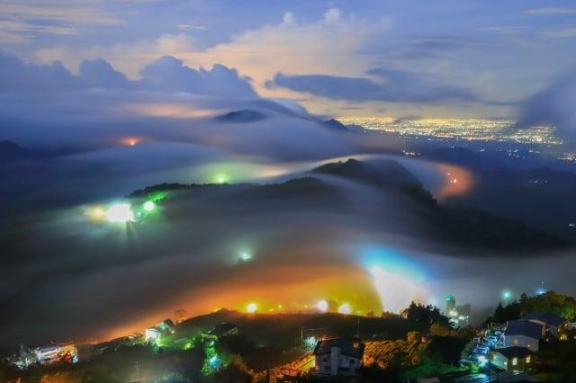 超夢幻美景阿里山頂石棹琉璃光,大雨後乍現,令人驚豔。(曾國根提供)
