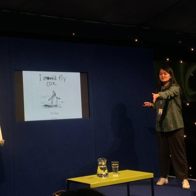 台灣繪本作家Fifi Kuo在愛丁堡國際圖書節,以溫暖故事及活潑敘事風格深受大小讀者喜愛。(文化部提供)