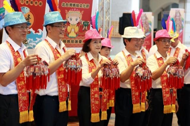 2019北臺灣媽祖文化節「媽祖鯖保庇」平安符亮相。(記者曾漢東/攝影)