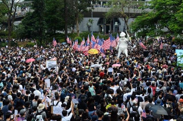 2019年9月8日,香港民眾舉行「香港人權與民主法案」祈禱會和美領館請願行動。(記者余鋼/攝影)