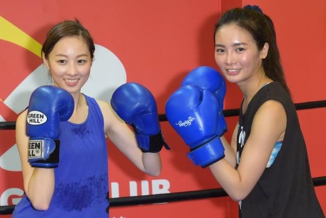 (左起)夏語心、舒子晨練習泰拳資料照。(記者黃宗茂/攝影)