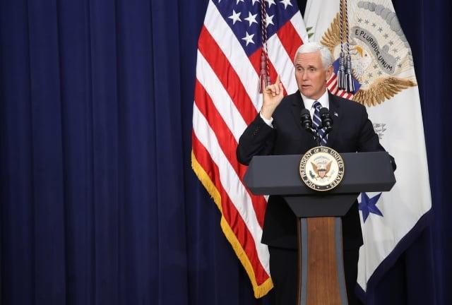 美國副總統彭斯(圖)拒絕接見索國新總理蘇嘉瓦瑞。(Win McNamee/Getty Images)