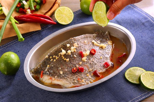 Q彈扎實的肉質配上老練刀工,為您的味蕾呈上頂級幸福饗宴。(盛洋冷凍食品提供)