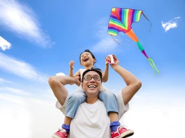 物理治療課程中會落實以家庭為中心服務中的「家庭增能」,每堂課都會依主題設計課後學習單。(shutterstock)