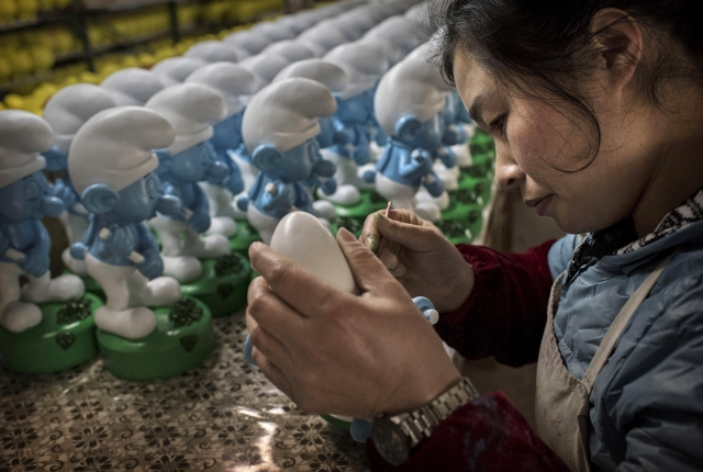 美國海關與邊境保護局(CBP)扣押了來自中國等五個國家的進口貨物。這些產品被指涉嫌由童工或強迫勞工製作。示意圖,非當事勞工。(Getty Images)