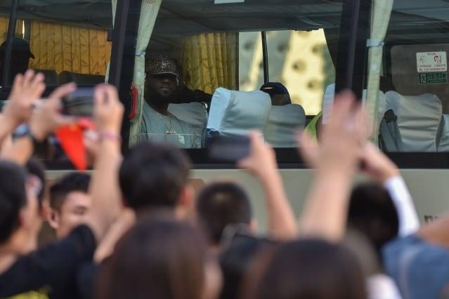 在中共官方和中國網路一片高喊「抵制NBA」的聲浪中,NBA季前賽——中國賽上海站的比賽10日如期進行。(Getty Images)