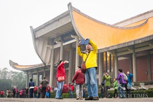 中共這套「對台經濟統戰方案」,明確規定「市場一體化」的目標,如增加每年赴台陸客,以實現陸客成為台灣旅遊業最主要收入來源的狀態。(記者陳柏州/攝影)