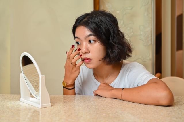 建議由專業驗光人員提供完整的驗配五步驟,針對平常配戴隱形眼鏡的習慣,找到真正適合自己的隱形眼鏡。(台灣眼視光學學會提供)