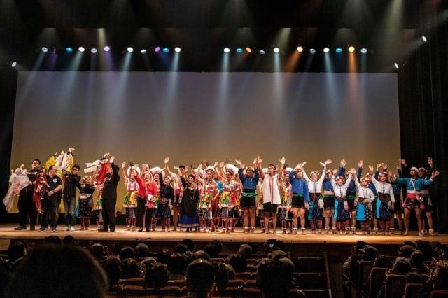 杵音文化藝術團受邀赴日加賀市演出,展現原民族群文化風采,大獲好評。(杵音文化藝術團提供)