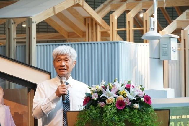 呂忠津教授表示,物聯網與微型感測器可提供政府進行稽查及管制。