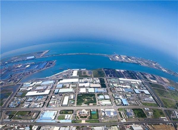 中港加工出口區目前進駐廠商達77家、從業人員超過7400人,總投資案達1120億元,年均產值550億元以上。(中港加工出口區提供)