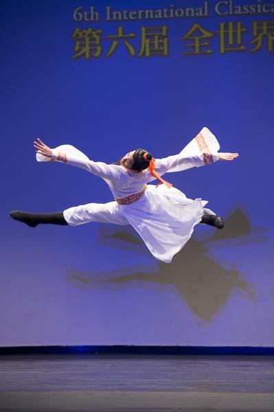 第六屆「全世界中國古典舞大賽」李宇軒獲得少年男子組的金獎。(記者戴兵/攝影)