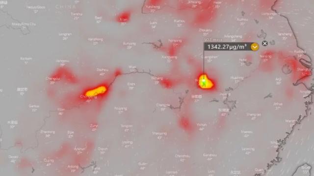 武漢市周邊的二氧化硫含量高於重慶與上海。(Windy.com)