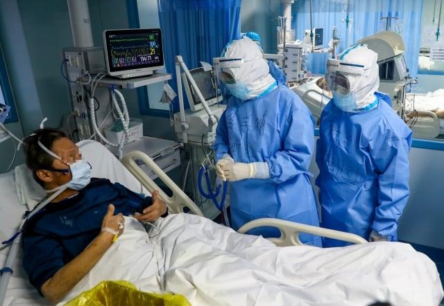 中央流行疫情指揮中心7日表示,因醫療機構病人屬易感染族群,疾病傳播風險較高,將會採取六項應變措施因應。(中央社)