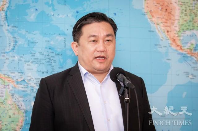 為鼓勵產業根留台灣,民進黨立委王定宇提案修正《政府採購法》,新增政府於招標採購時,應優先採購取得「MIT微笑標章」產品。(記者陳柏州/攝影)