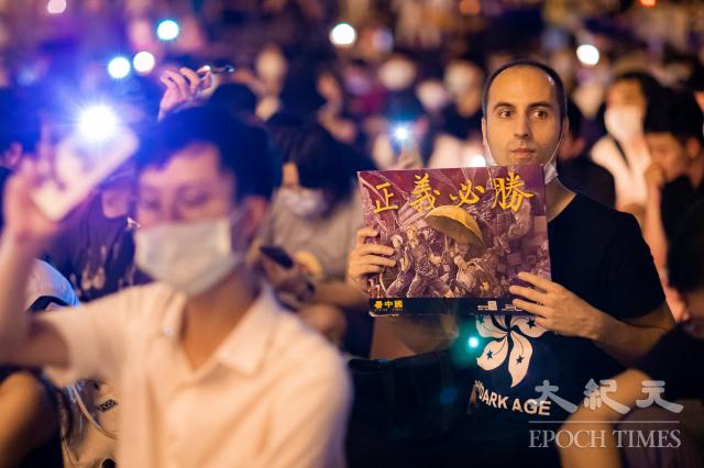 六四天安門事件31周年,「遍地燭光悼六四」活動6月4日晚間在自由廣場前舉辦。(記者陳柏州/攝影)