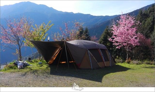 離開城市,回歸自然的懷抱,在蟲鳴的伴隨下住一晚帳篷。(睡外面露營社提供)