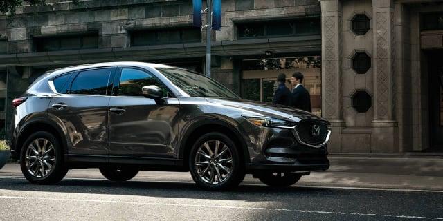 CX-5精緻明亮的表面及高規格的材質,如高級的品牌車。(mazdausa.com)