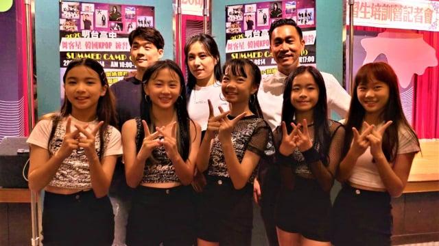 明台高中舉辦韓國K-POP練習生培訓營,找來專業培訓經紀公司開設舞蹈、歌唱的基礎發聲與律動課程。