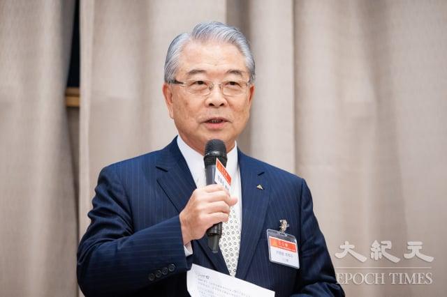 對於美國總統川普取消香港的優惠待遇,三三會理事長許勝雄15日表示,臺商要重新思考,是否要跟過去一樣透過香港來進行轉口貿易。(記者陳柏州/攝影)