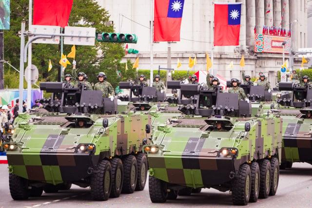 白宮國家安全顧問歐布萊恩7日警告中共,不要試圖以武力奪取臺灣,要對臺灣進行兩棲登陸是「出了名的困難」。圖為雲豹甲車。(大紀元資料照)