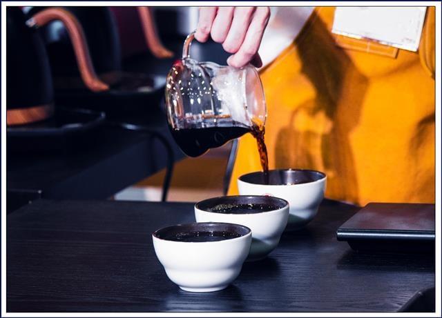隨著咖啡的普及 讓我們從想喝咖啡 到想要喝到一杯更好的咖啡。(123RF提供)