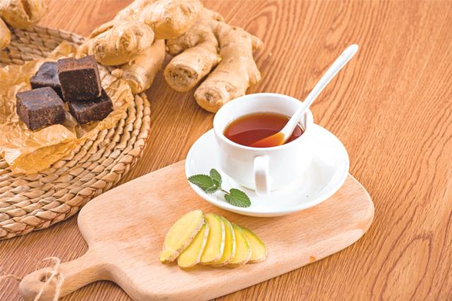 去風寒的紅糖老薑茶。(Shutterstock)