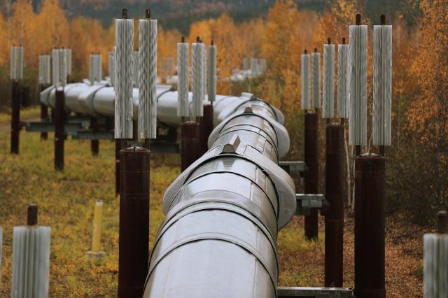 美國總統拜登(Joe Biden)撤銷連接美加兩國的Keystone XL輸油管道擴建許可證。圖為美國的輸油管。(Joe Raedle/Getty Images)