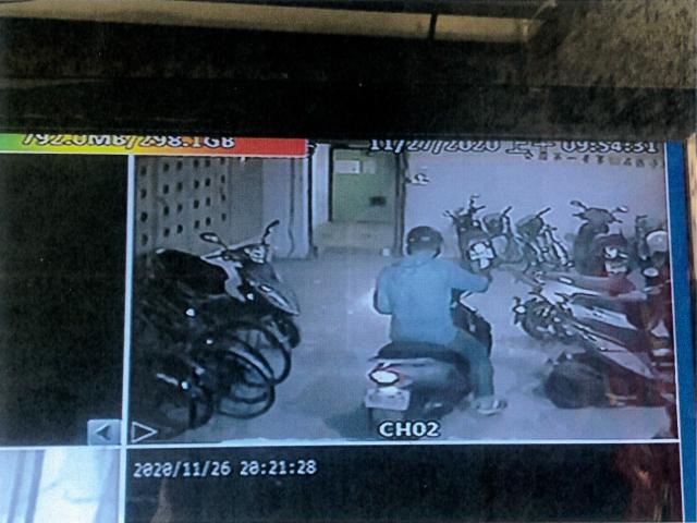 陳男外出電梯監視錄影影像。