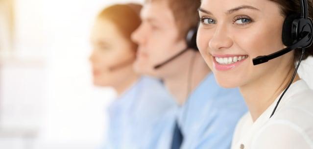 疫情期間,定期給孤立的人打「同情電話」可以顯著減少孤獨和焦慮感。(Shutterstock)