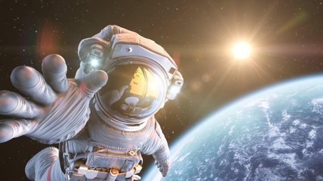 太空人在太空生活,需要在微重力環境下也能有好效力的洗衣精。(Shutterstock)