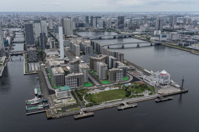位於東京晴海濱水區的奧運村。圖片攝於2021年6月26日。( Getty Images)
