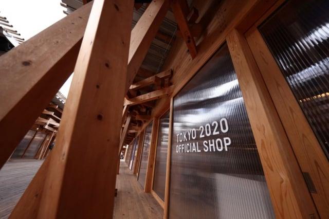 在奧運村還設有東京奧運的官方商店。圖片攝於2020年1月20日。(BEHROUZ MEHRI/AFP via Getty Images)