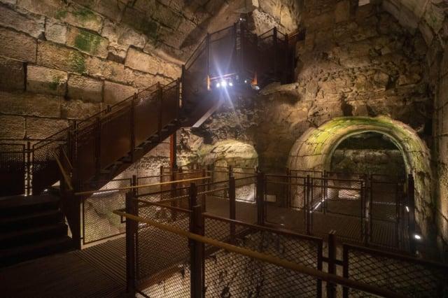 耶路撒冷西牆遺址附近出土了一座可追溯到第二聖殿時期的宏偉建築。(Yaniv Berman/IAA)