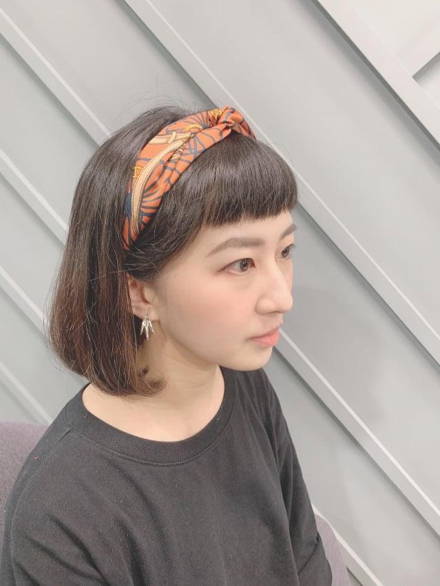 髮帶能瞬間提升穿搭造型感。(POYA寶雅提供)