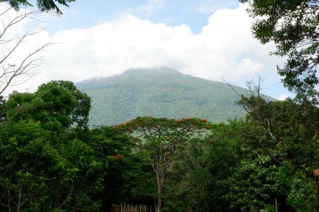 菲律賓的巴納豪山為該國的聖山。(Shutterstock)