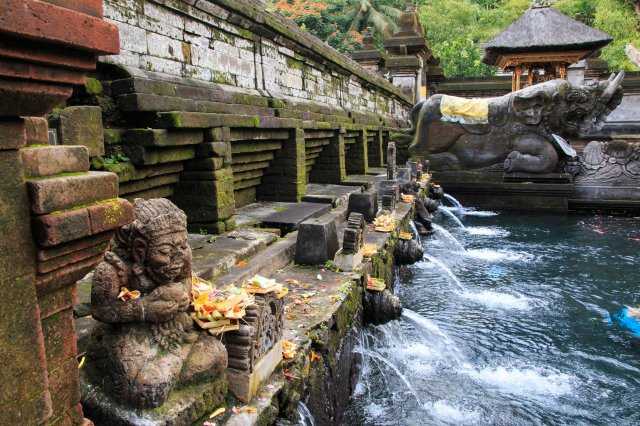 聖泉寺的泉水可除病消災。(Shutterstock)