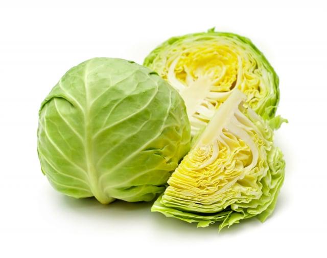 高麗菜一刀切,製造出「切口」反而不容易保存?(Shutterstock)